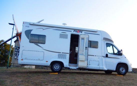 extérieur moulin camping car Pilote PROFILÉS 5 places - EVAGO