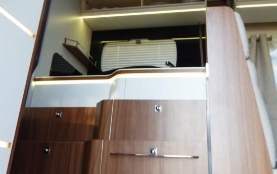 Micro onde cuisine camping car Pilote PROFILÉS 5 places - EVAGO